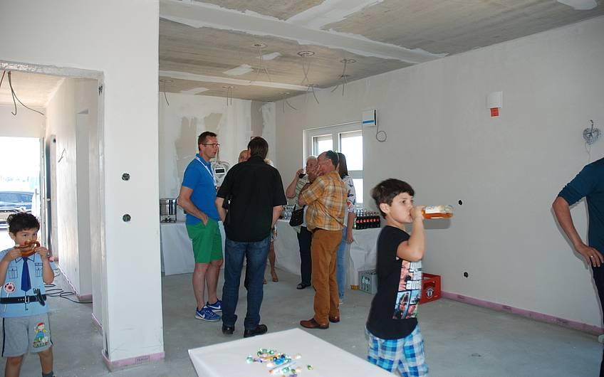Interessenten konnten direkt mit dem Bauherren Fragen klären.