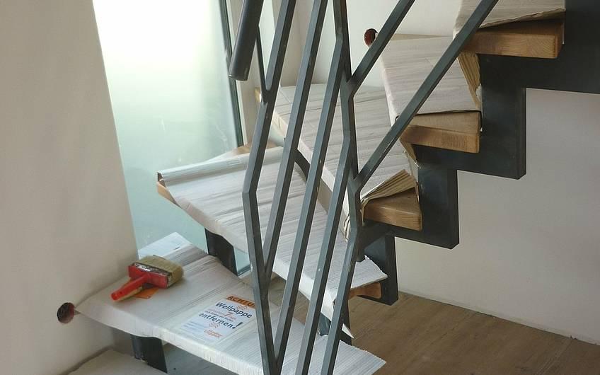 Montage Treppenstufen im Erdgeschoss