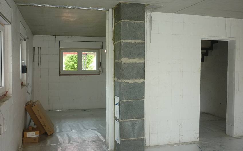 Erdgeschoss mit Schornsteni