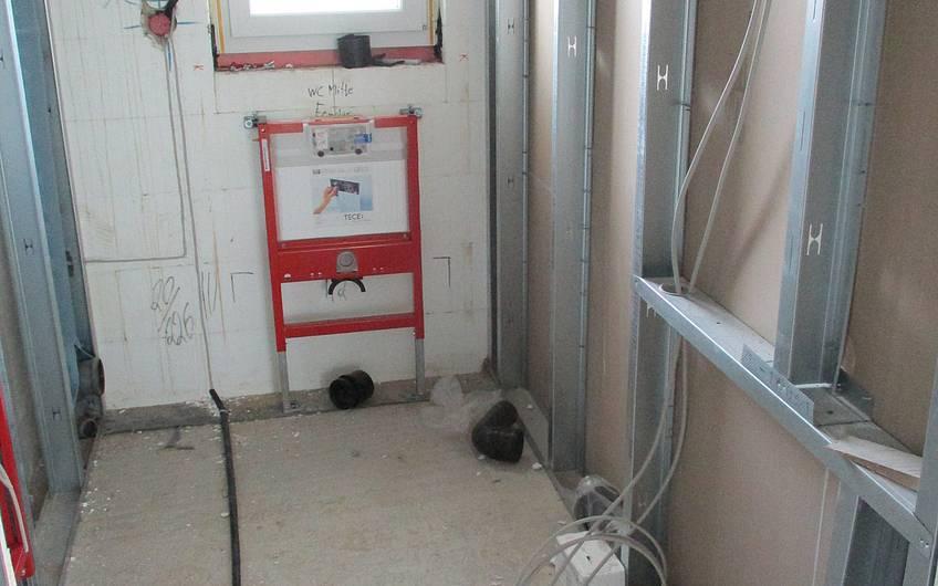 Sanitärrohinstallation in Ausführung.