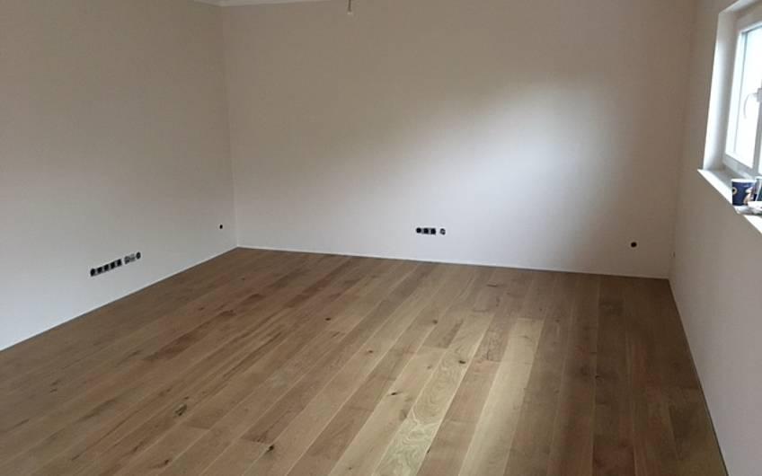 Der Holzboden ist fertig!