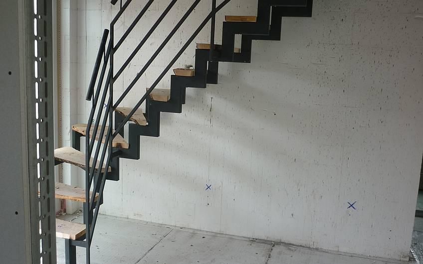 Stahltreppe im Rohbau