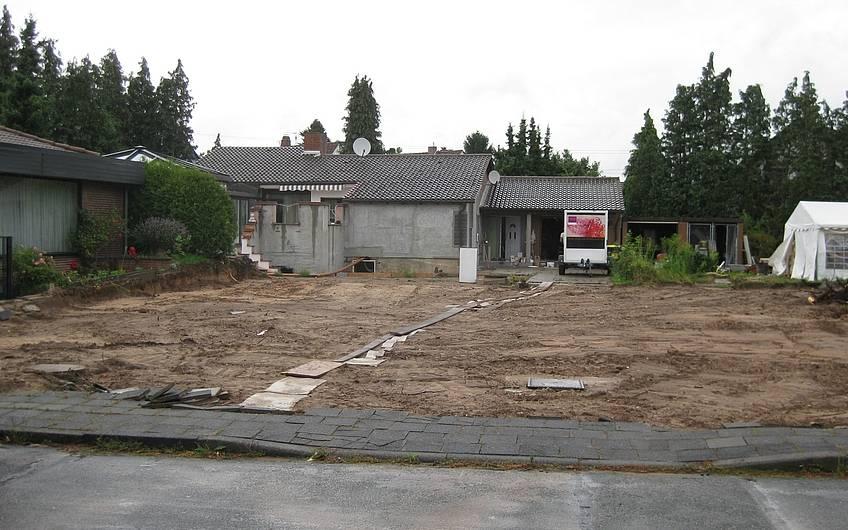 Alle Bäume und Sträucher wurden vom Grundstück entfernt.
