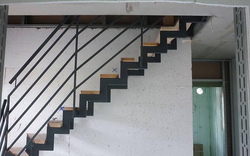Einbau Treppenstahlgerüst