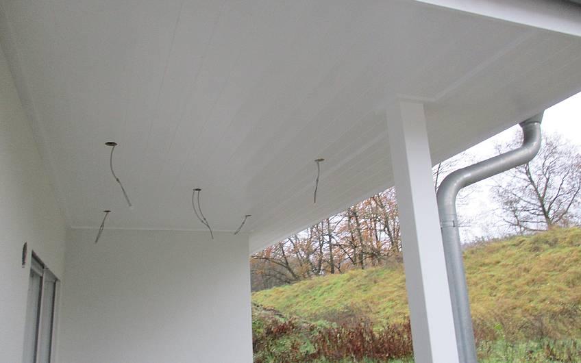 Vorbereitete Terrassenbeleuchtung.