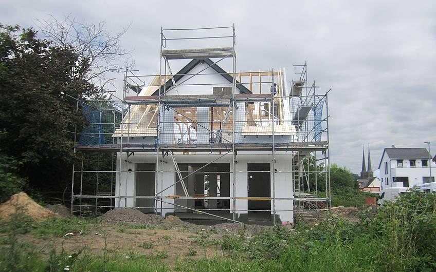 Dachstuhl im Aufbau.