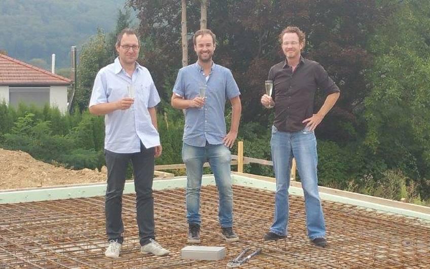 Grundsteinlegung für die individuell geplante Doppelhaushälfte Twin XL von Kern-Haus in Bammental