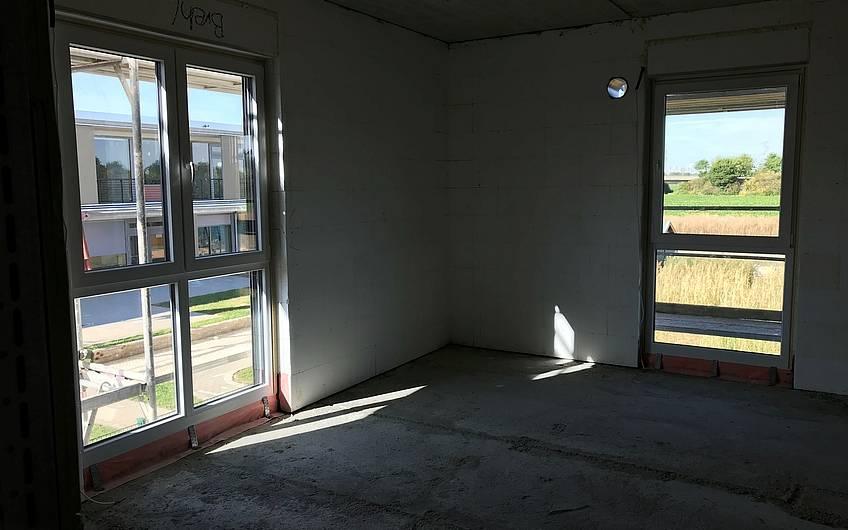 Die Fenster drin, der Trockenbau kann beginnen.