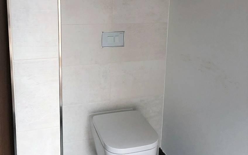 WC mit Ablage im Kern-Haus-Bungalow Trio in Magdeburg