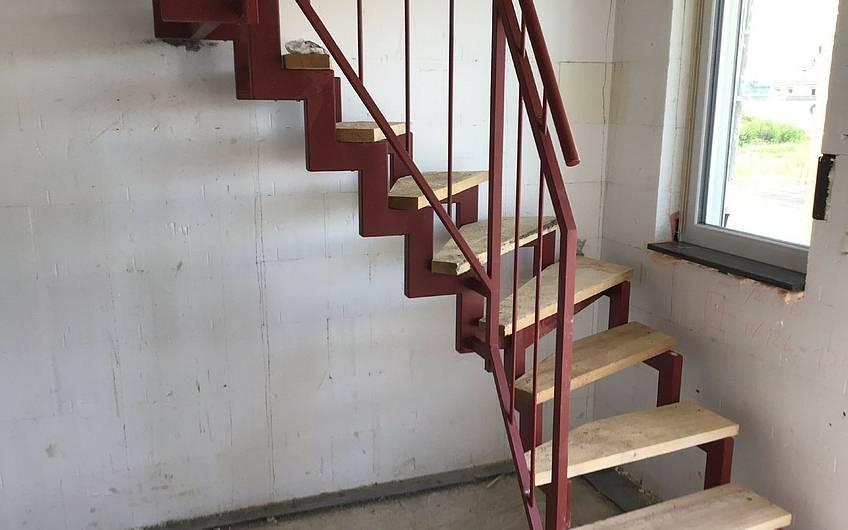 Bautreppe im Familienhaus Jano von Kern-Haus in Forchtenberg