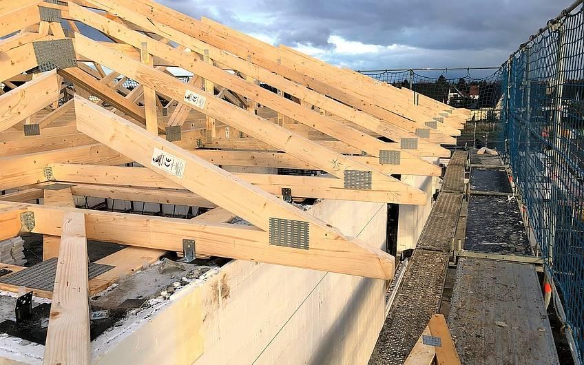 Dachbalken für Kern-Haus Centro in Magdeburg