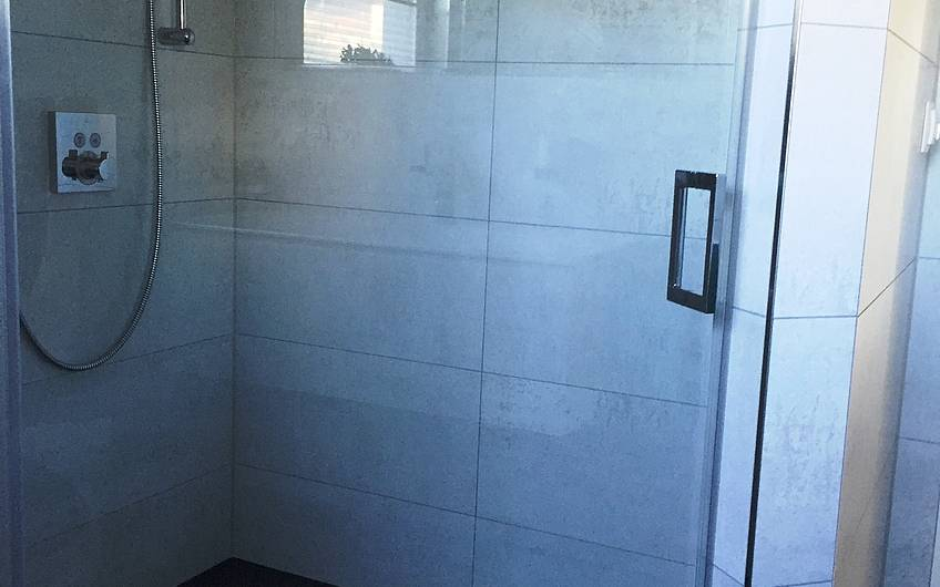 Die Dusche des Erdgeschosses