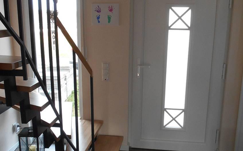 Verkleidung der Treppe.