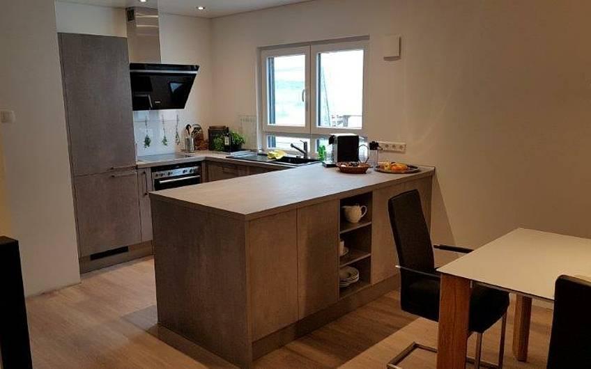 Einbauküche in der individuell geplanten Doppelhaushälfte Twin XL von Kern-Haus in Bammental