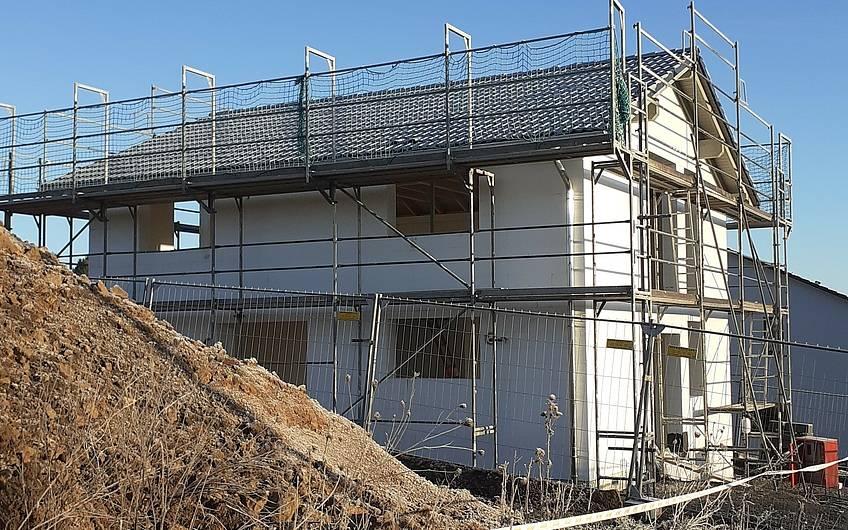 Bei dem letzten Baustellenbesuch konnte schon das Dach besichtigt werden.