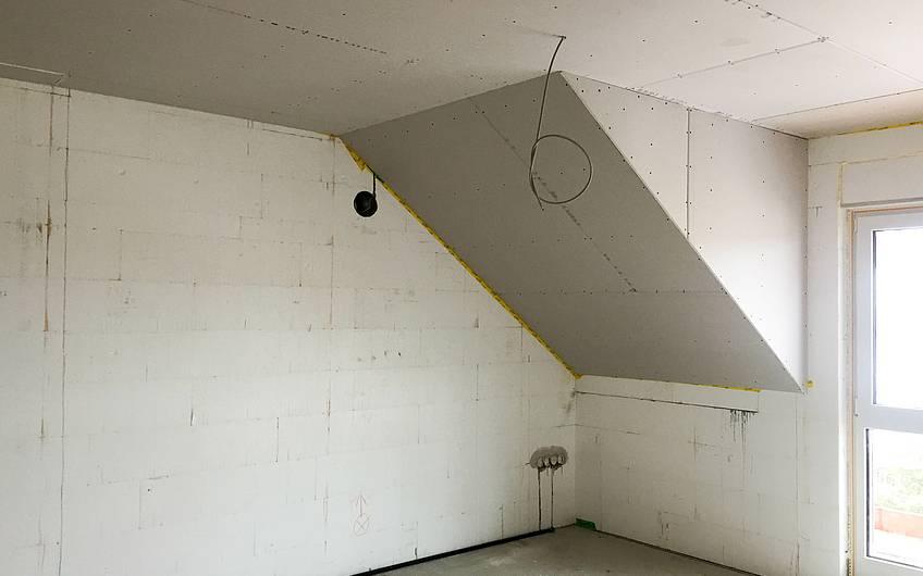 Trockenbau Decke im Dachgeschoss
