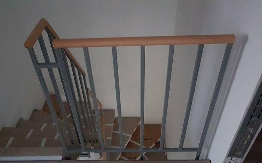 Treppengeländer in der individuell geplanten Doppelhaushälfte Twin XL von Kern-Haus in Bammental