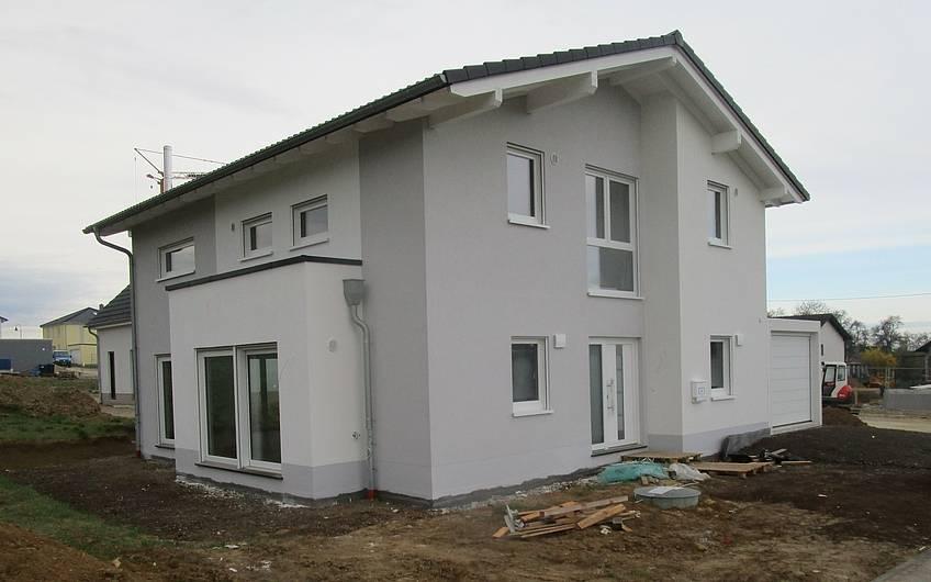 Das Traumhaus ist fertiggestellt und kann bezogen werden.
