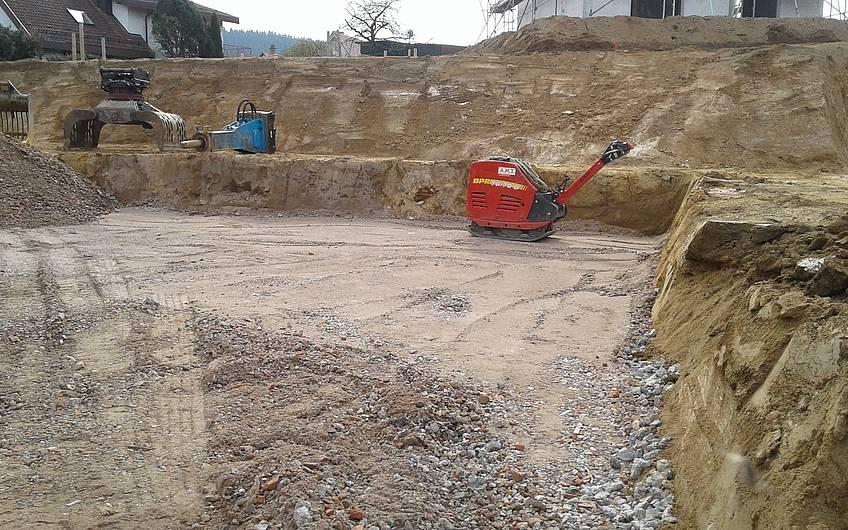 Erdarbeiten auf dem Grundstück für das Einfamilienhaus Aura von Kern-Haus in Weinheim