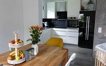 Essbereich des Einfamilienhauses Komfort von Kern-Haus in Neupotz mit offener Küche