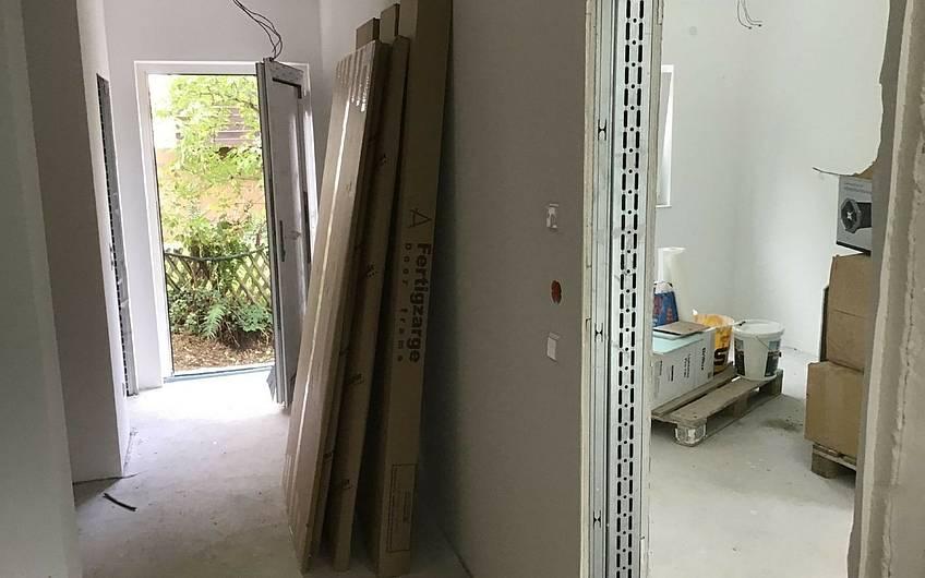 Innentüren in der individuell geplanten Doppelhaushälfte Twin XXL von Kern-Haus in Korb