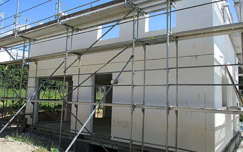 Das Dachgeschoss wird aufgebaut.