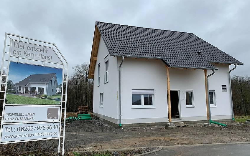 Rohbaubesichtigung im Familienhaus Jano von Kern-Haus in Forchtenberg