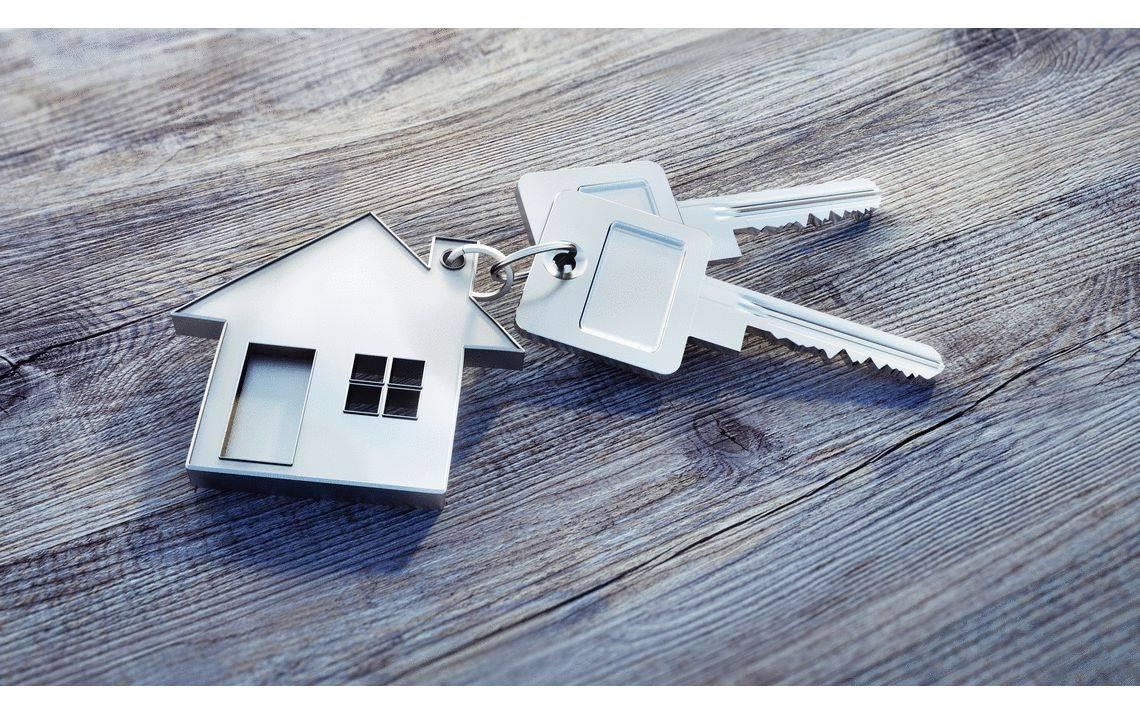 Schlüsselübergabe an die Bauherren